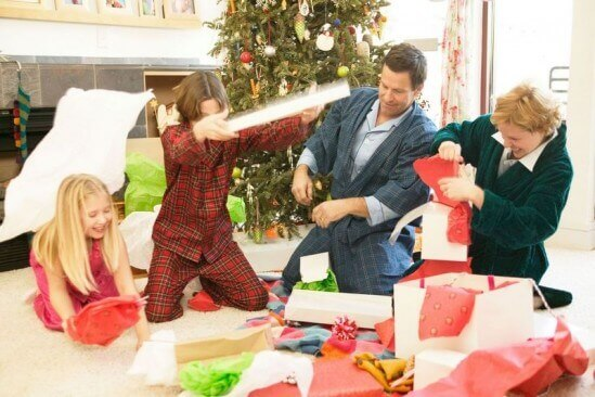 FamilyPlayingWithGifts