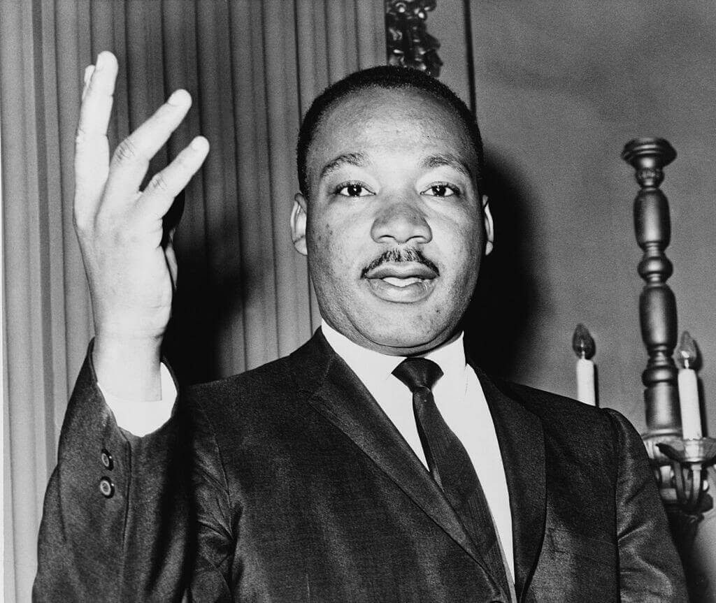 rhetorical analysis between martin luther king and malcolm x