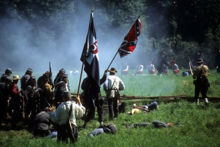 Confederates Volley Fire On Advancing Union Soldiers,