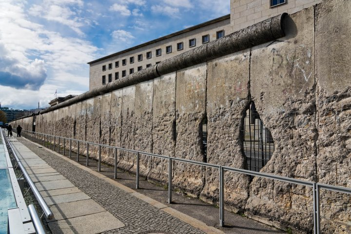 10 Facts Berlin Wall