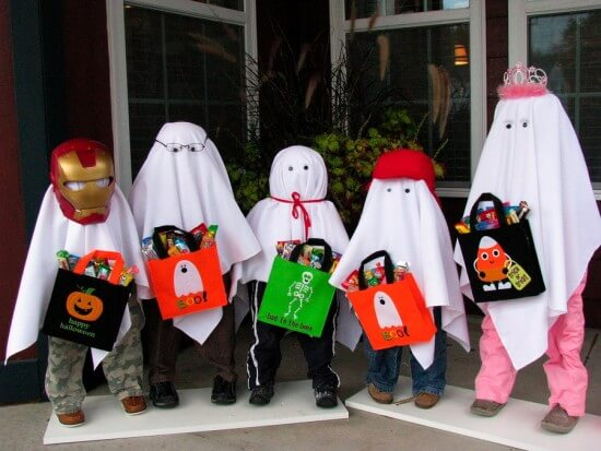 Five Trick or Treat Ghosts