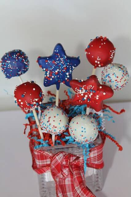 Need To Know: July 4th Decorating