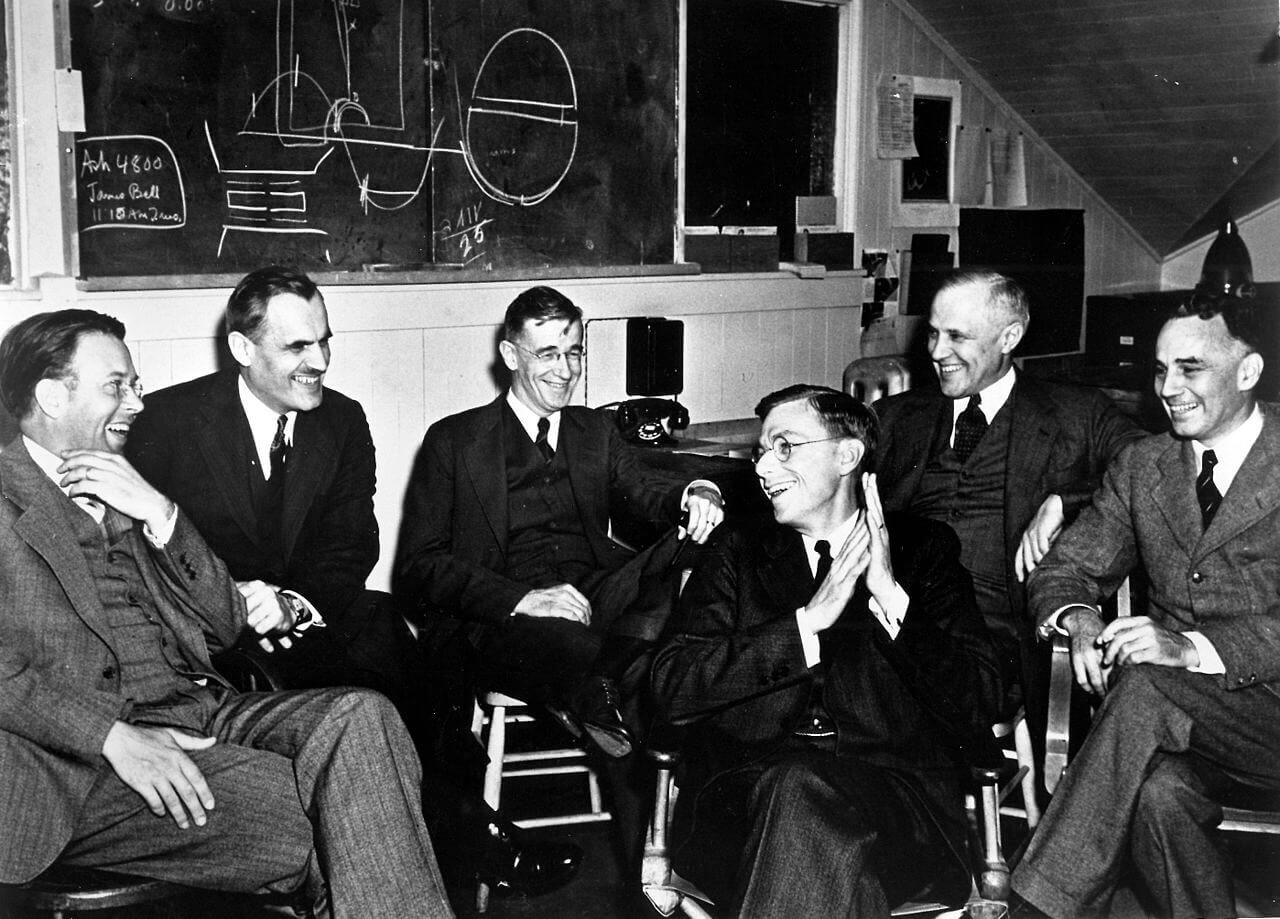a biography on j robert oppenheimer and andrei sakharov in nuclear physics during world war ii and t This biography focuses on physicist j robert oppenheimer's role in the us sakharov: a biography after world war ii a strong advocate for nuclear.