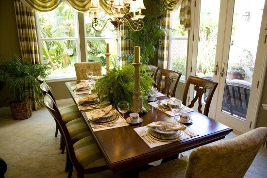 Thanksgiving Dining Area