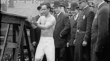 Harry Houdini: Handcuffed Bridge Jump